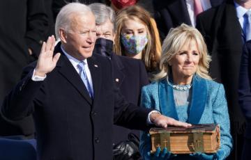 Joe Biden a prêté serment devant le Capitole et devient le 46è président des États-Unis
